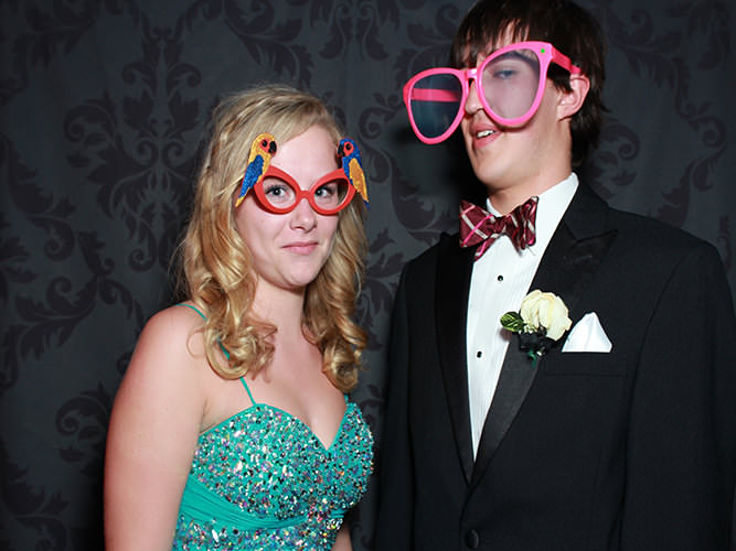 Prom night in dazzling photo booth of colorado