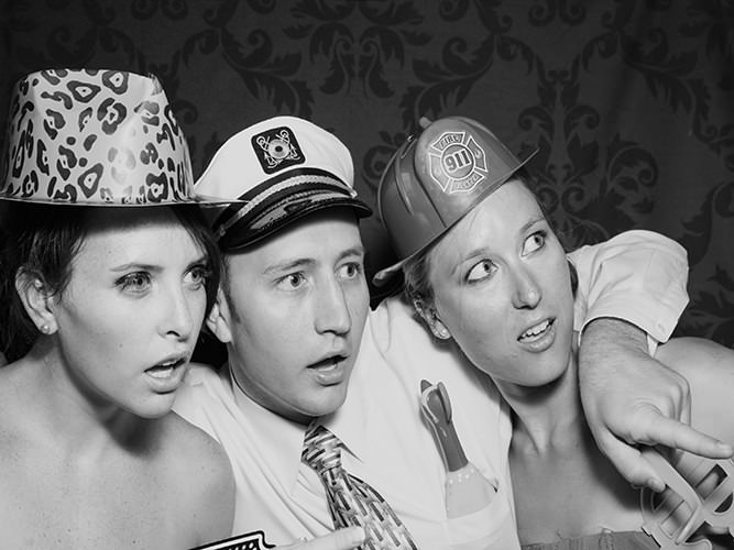 photo-booth-fun-with-friends-Boulder-CO
